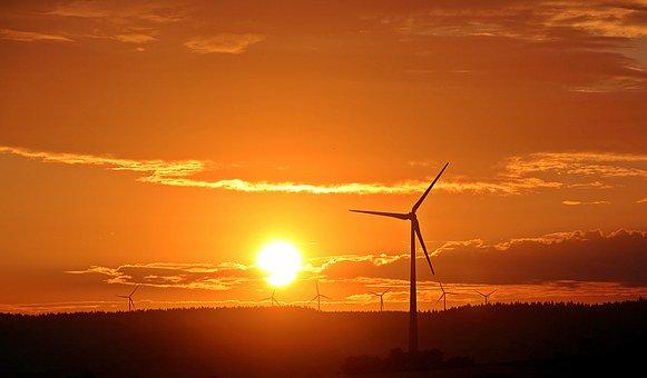 Planta de energía eólica con aerogeneradores de última tecnología